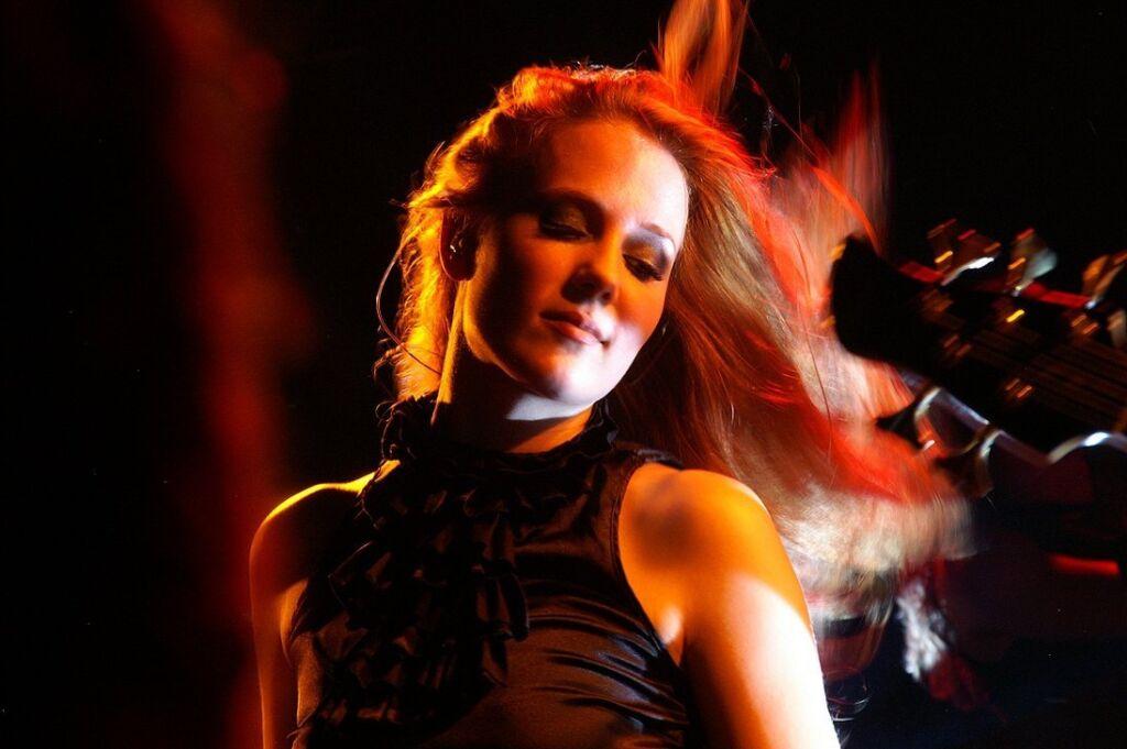 Simone Simons - Banda Epica