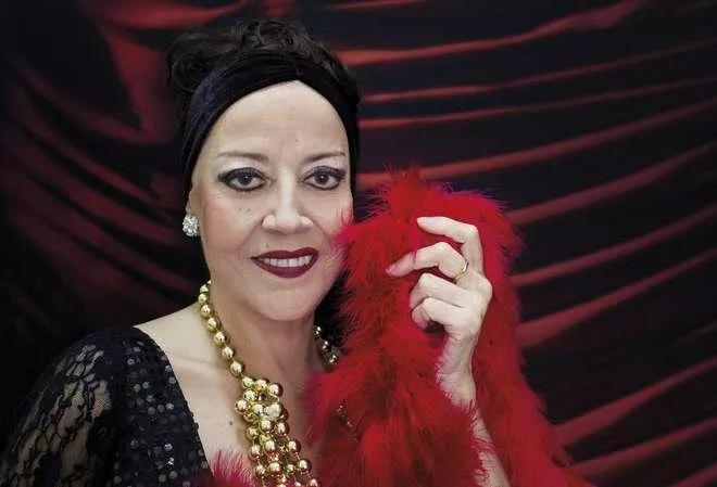Cantora de MPB Célia