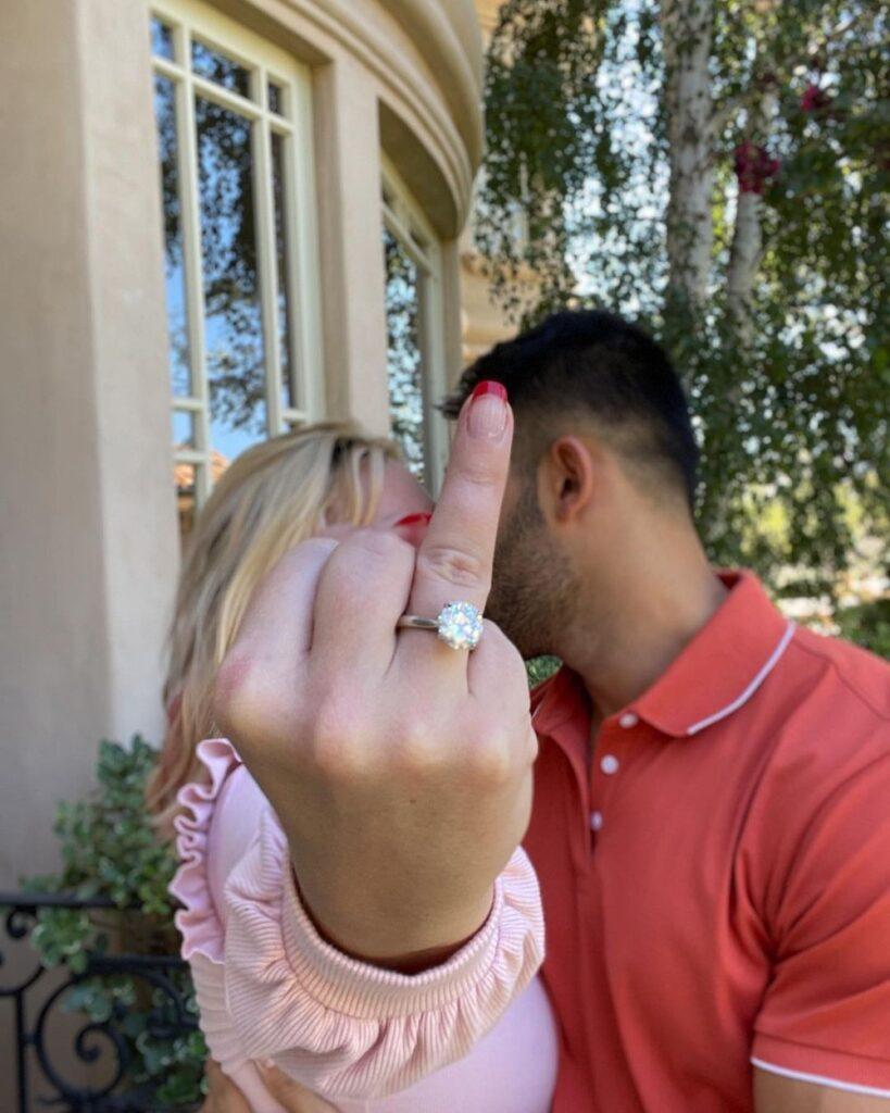 Britney Spears e Sam Asghari anunciam que estão noivos — Foto: Reprodução/Instagram